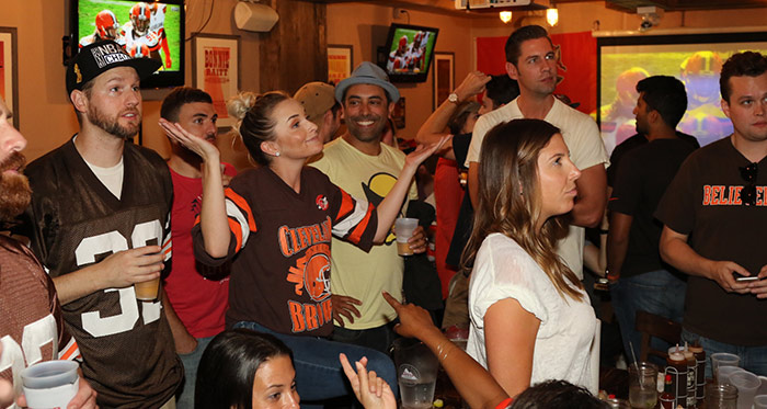 Browns Backers NYC watching Cleveland Browns Game New York City Brother Jimmys Union Square